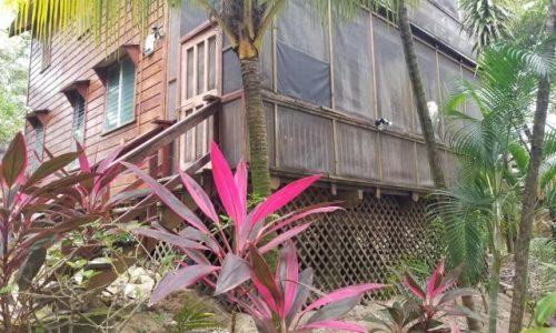 Roatan Homes for Sale 19-69