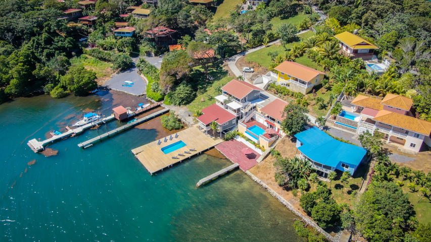 Beachfront Homes for Sale Roatan