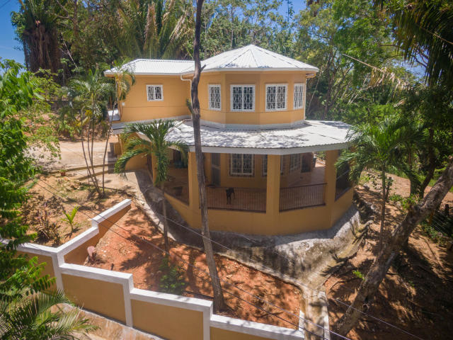 Roatan Sandy Bay Home for Sale