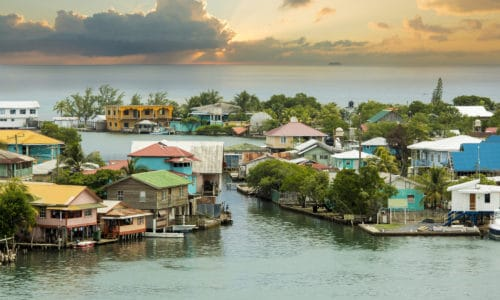 Oak ridge roatan real estate
